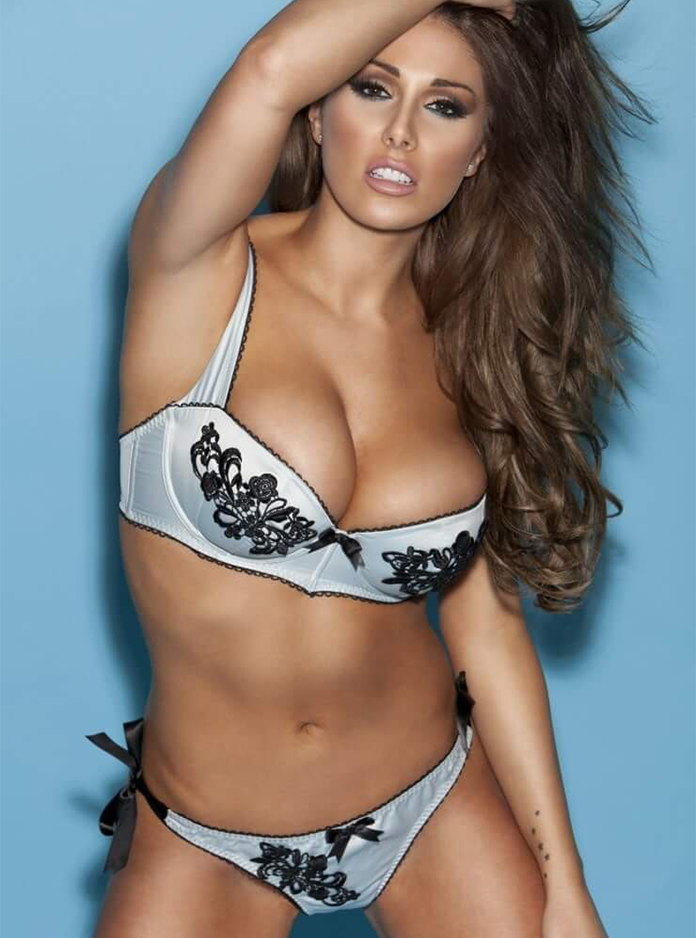 Lucy-Pinder-11